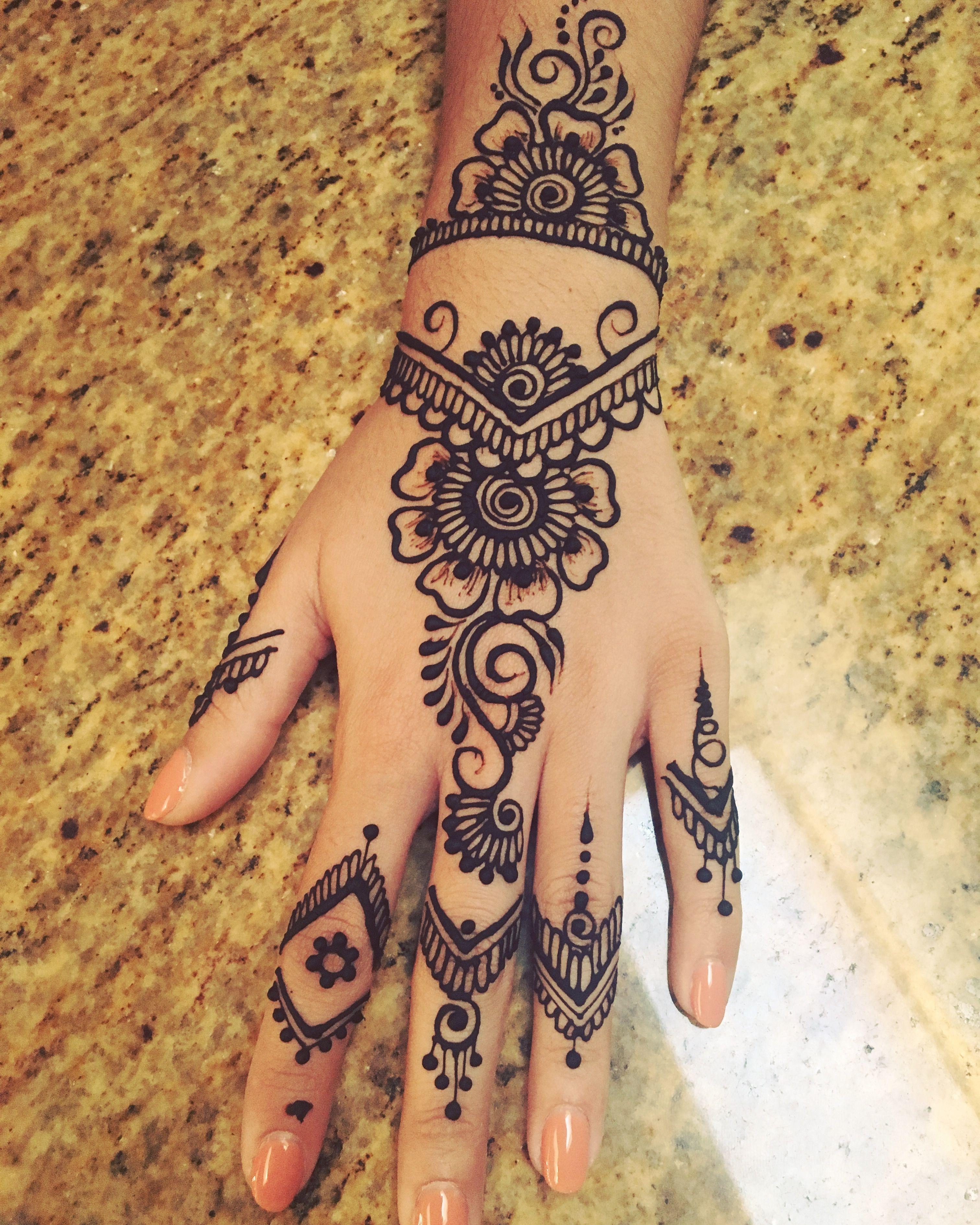 Modern Henna Design Henna Hennaart Hennadesign Mehndi Mehndi