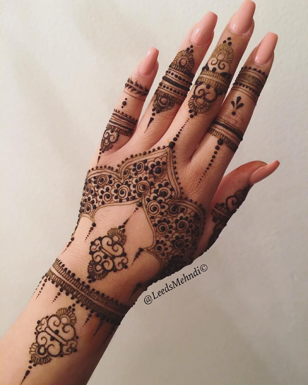 Henna Mehndi Tattoo Designs Idea For Wrist: Best Mehandi Designs For Eid