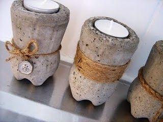 kaarsenstandaard van gips in halve petfles