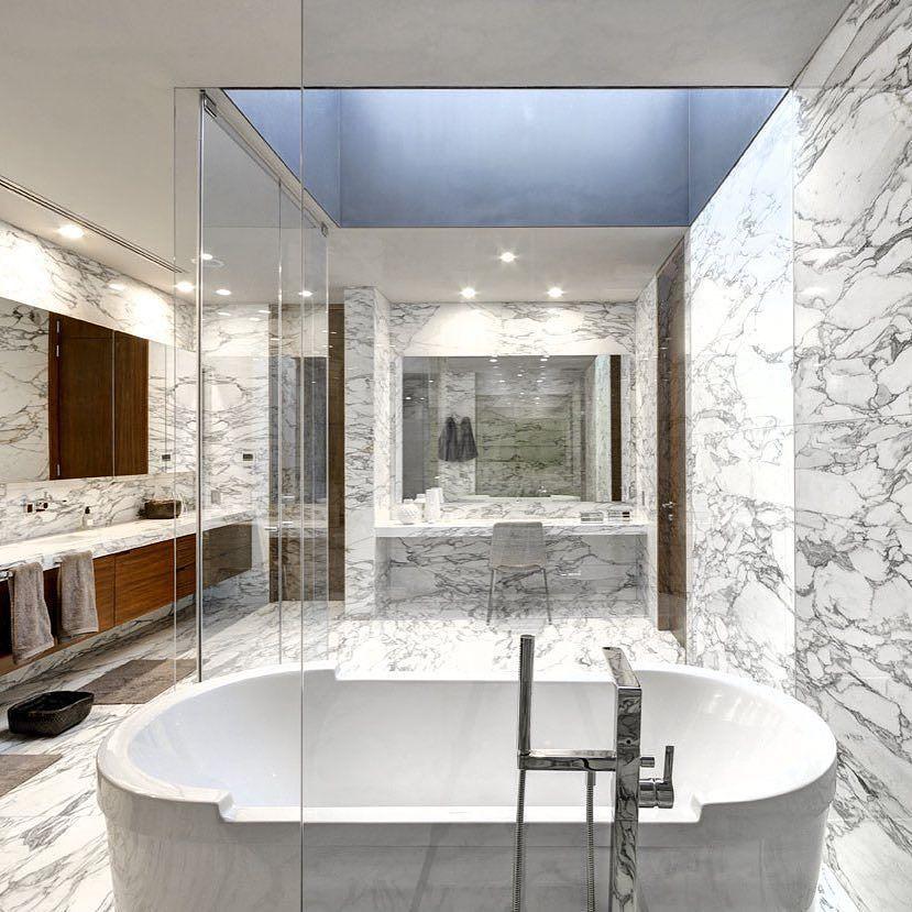 Elegant #bathroom by Rizo Arquitectos