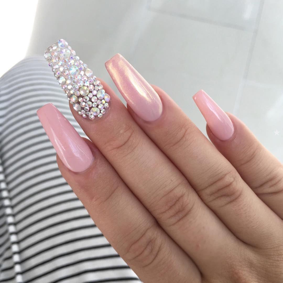 Pin: Ada Rios✨   Nails   Pinterest   Uñas metálicas, Manos bonitas ...