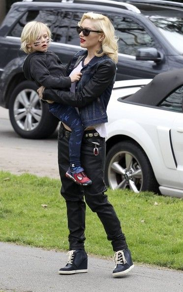 Gwen Stefani takes her boys Kingston and Zuma out to lunch and then to the park