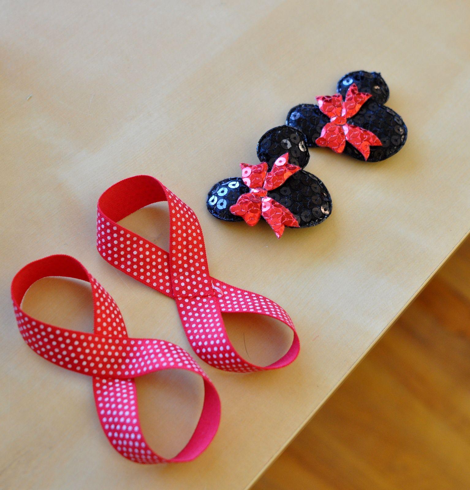 9a590ccebce8 Baby Barefoot Sandals Tutorial