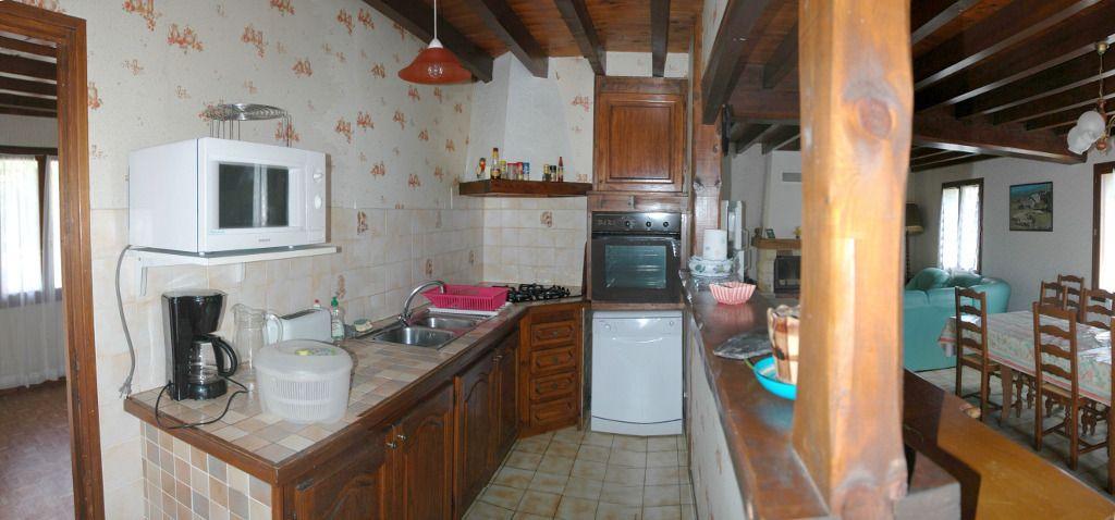 Chez passet Gîte  G211035 à Lescun- Gites de france Gîte pour 12 personnes avec 5 chambres à LESCUN,  Pyrenees Bearn A l'entrée du village Vallée d'Aspe Idéal pour des groupes.