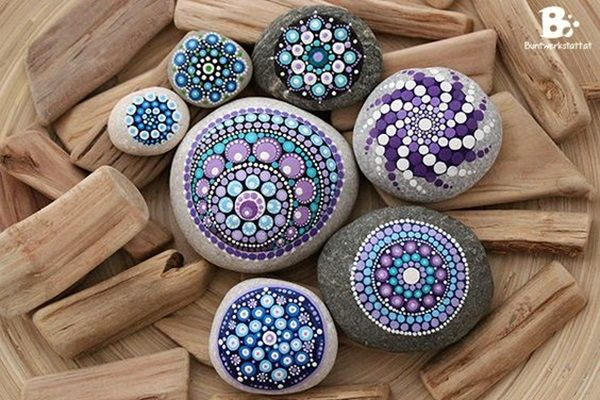 40 DIY Mandala Stone Patterns To Copy is part of Stone painting, Stone art, Mandala stones, Stone crafts, Rock art, Color crafts - Once you are done with transferring the design on to the stone and it has completely dried off, then ensure that you cover it with a protective coating so that the design is not disturbed or spoiled over time