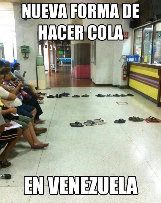 La cola no es larga pero si muy leeeeenta ¡Sólo en Venezuela!