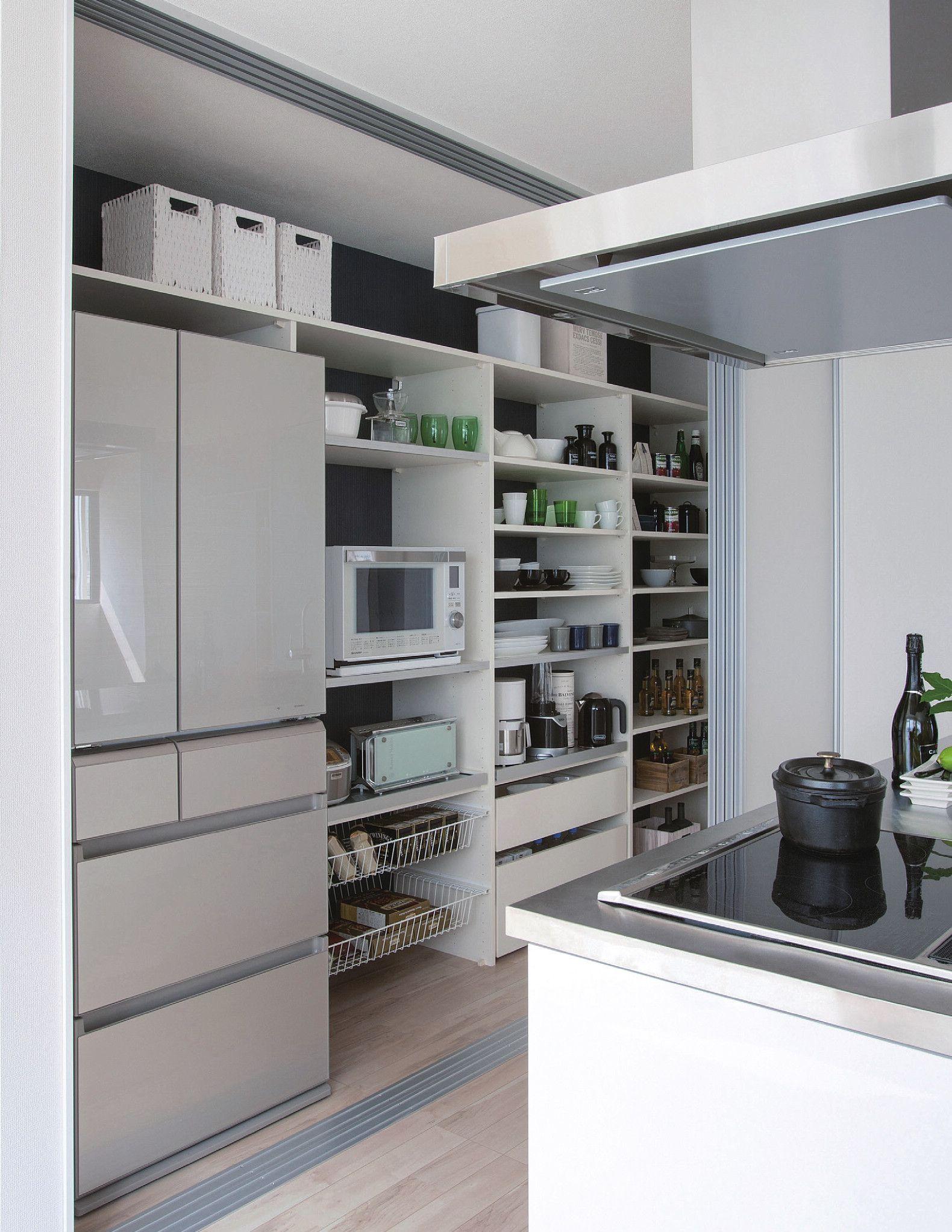 間取りアドバイザー 坂口亜希子 片づけ苦手さんの 扉ですべて隠す食器棚 キッチン 背面収納 キッチンパントリーのデザイン キッチンデザイン