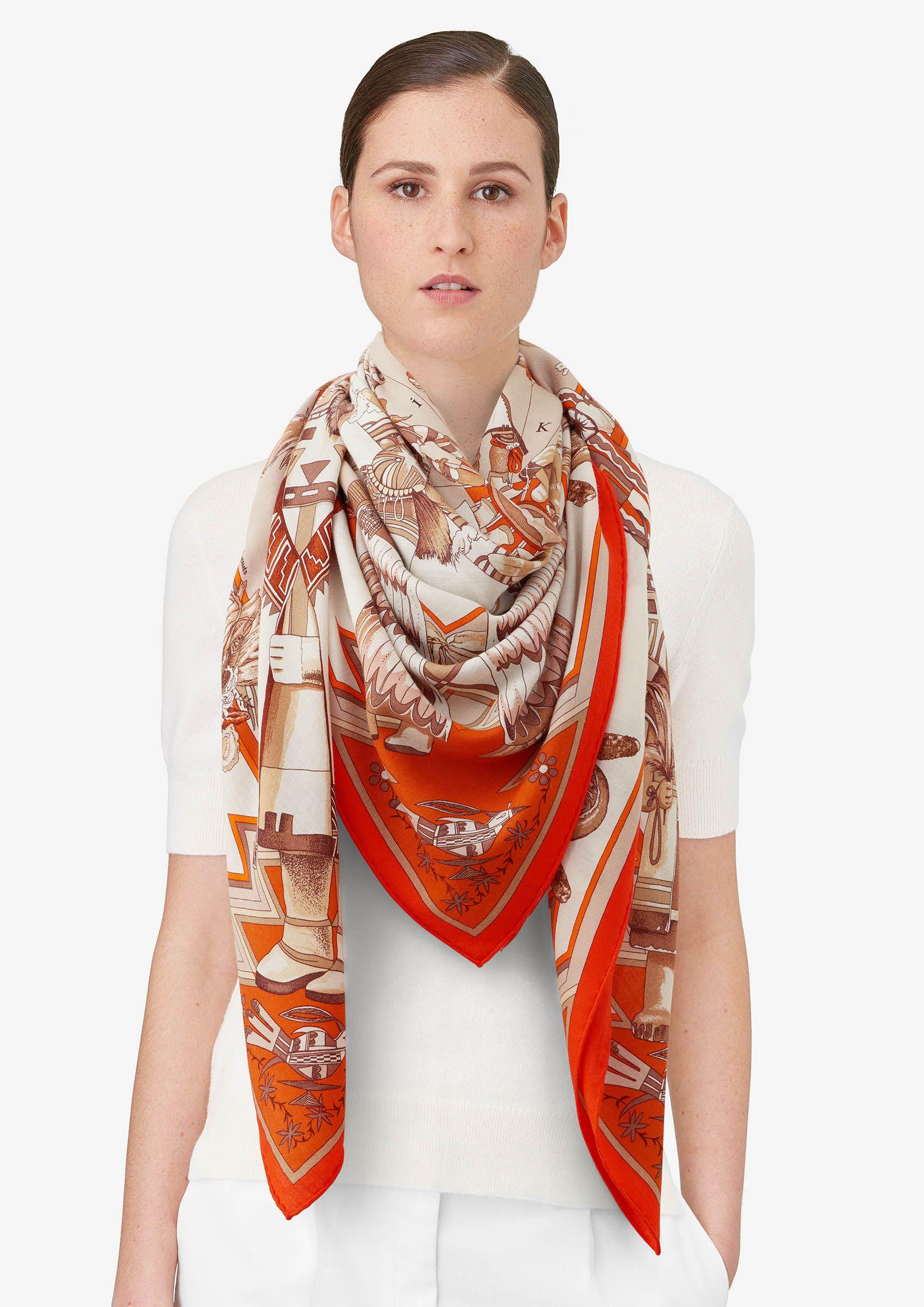 Kachinas Châle 70 % cachemire 30 % soie (140 x 140 cm) Coloris    orange blanc beige Réf.   H241823S 41 f98bb518825
