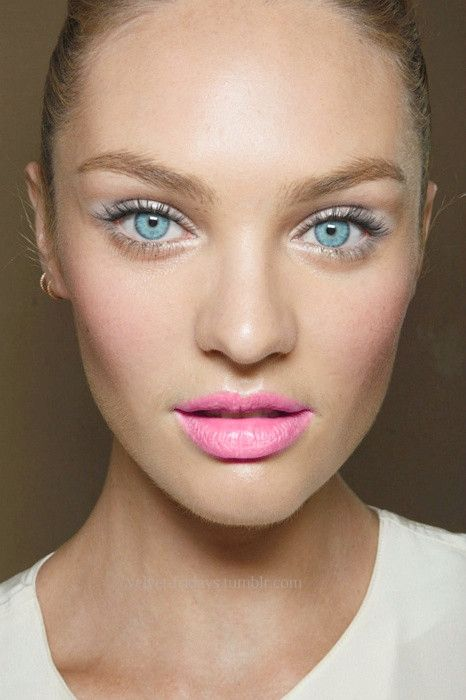 20 bonitas ideas de maquillaje de muñeca Barbie para corazones dulces #maquillaje #makeup #mujer #women #labios #lips #adorable #bonita #pretty #rosado #pink #barbie #muneca #doll #rojo #red #ojo #eye #ojos #eyes #amor #love #purpura #purple #neutral #tonalidades #hues