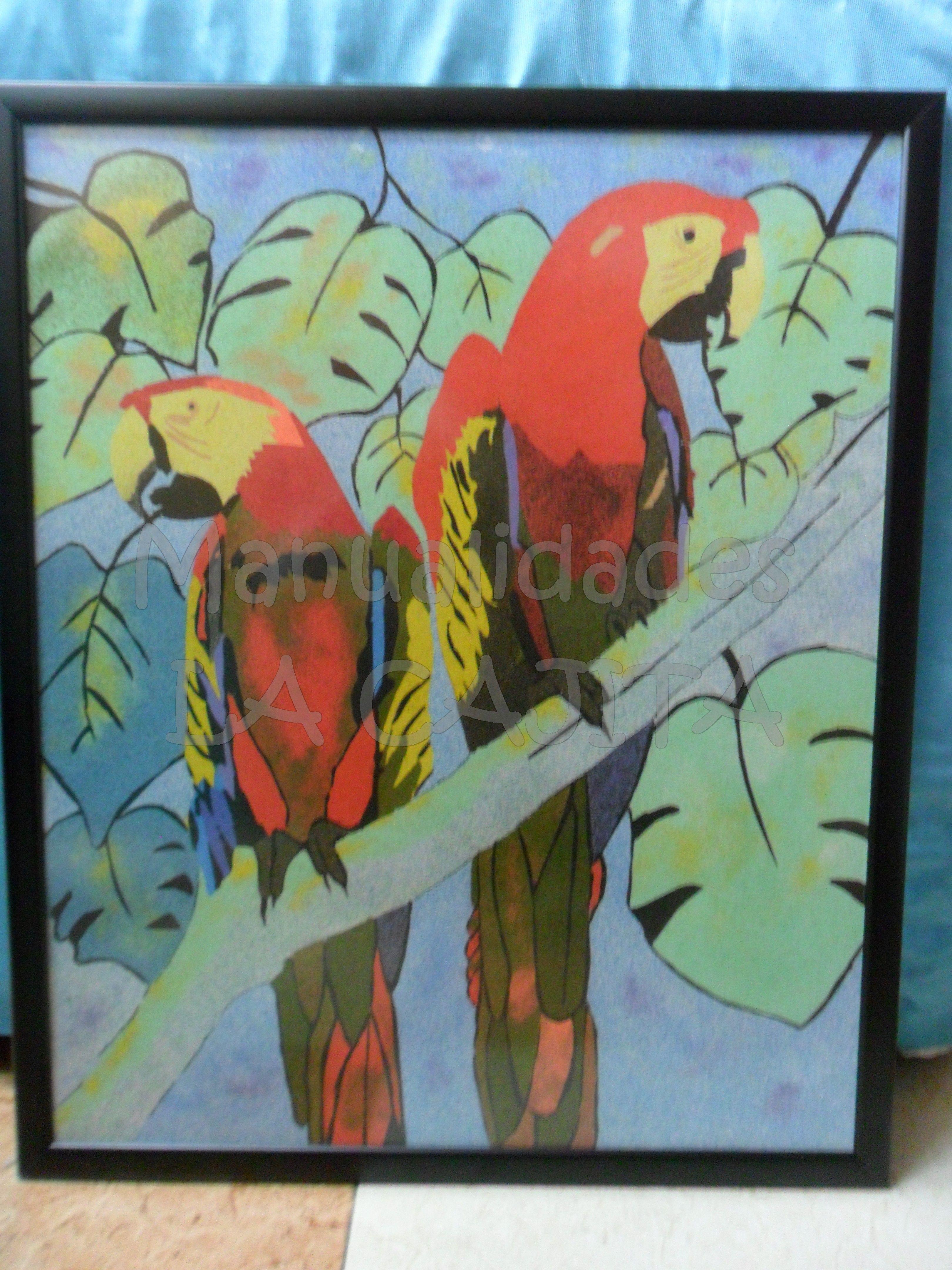 Cuadro enmarcado de loros hecho con arenas de colores.   cuadros de ...