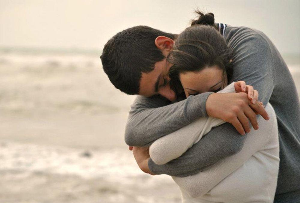 Картинки со стихами влюбленные пары обнимаются
