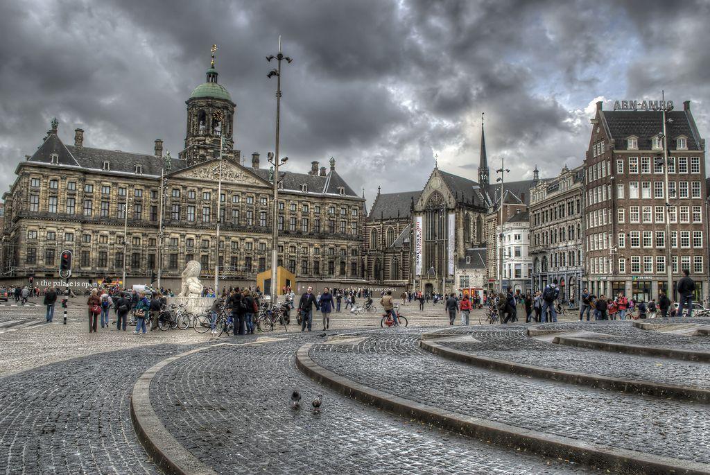 Dam Square In Amsterdam Netherlands Por Emilio J Santacoloma