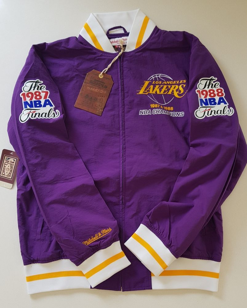496732e95 NBA Mitchell   Ness Los Angeles Lakers Team History Warm up Jacket  Basketball M  MitchellNess  LosAngelesLakers