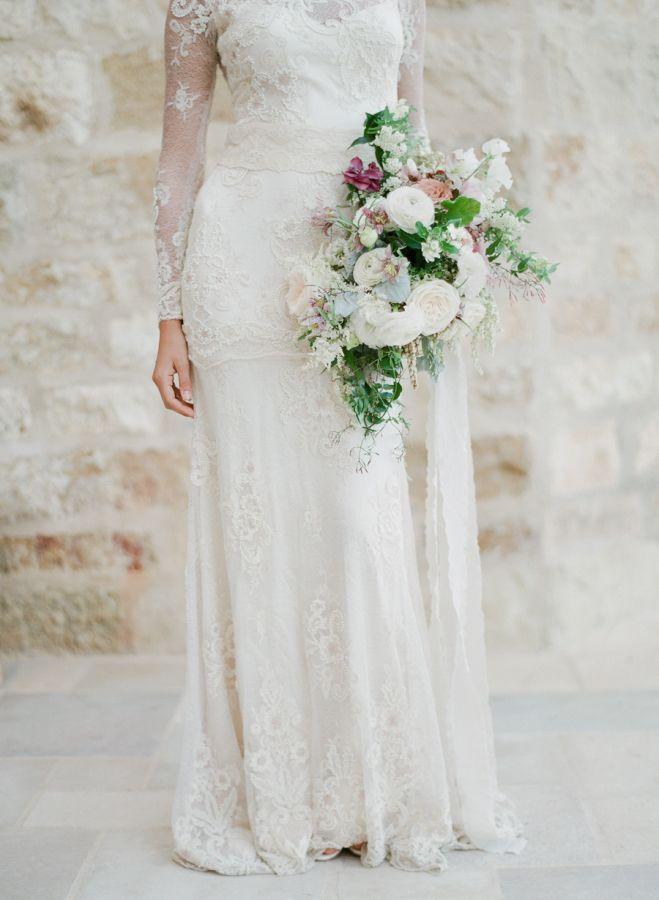 Beautiful lace wedding dress: Photography: Jeanni Dunagan - https://www.jeannidunagan.com/