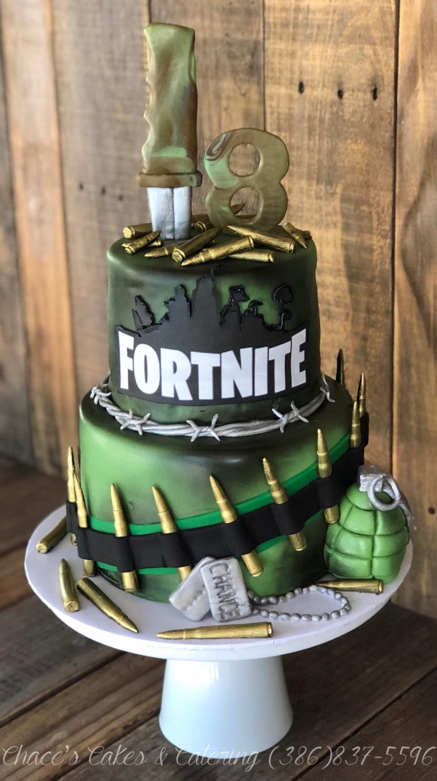 Fortnite Game Fondant 17 Tier Birthday Cake  Torta para fiesta
