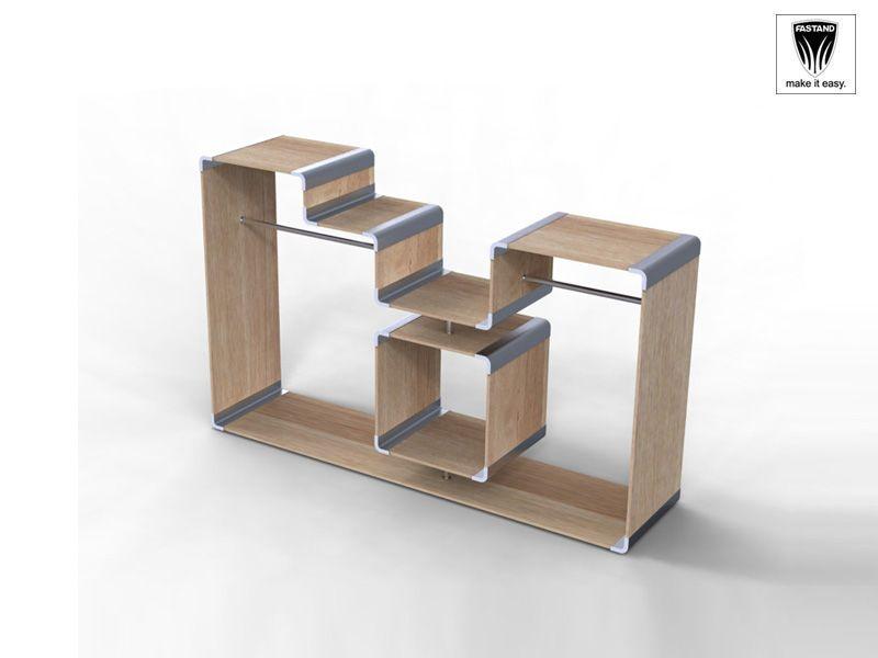 Parete componibile facilmente e attrezzabile, realizzata in alluminio finitura argento e inserti lignei di varie finiture, vedi tabella. Il montaggio facile permette di poterla attrezzare a piacere e in molti ambienti, dallo store all'ufficio.