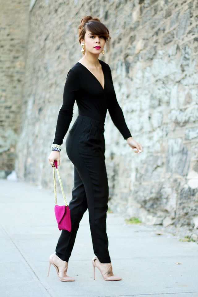 all black with pink shoes