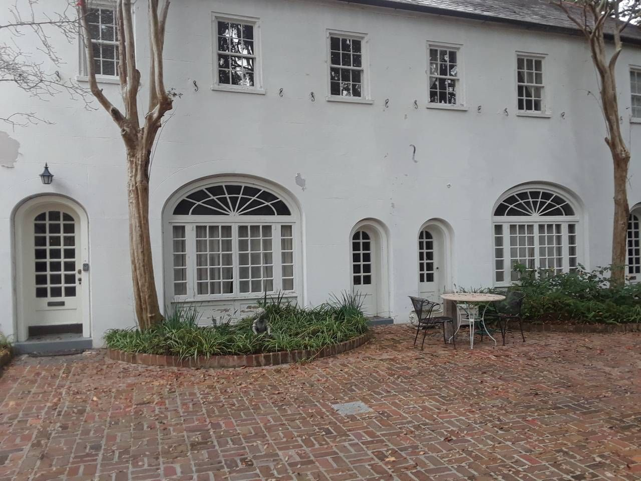 The Carriage House Guesthouses For Rent In Charleston South Carolina United States House House Styles Charleston