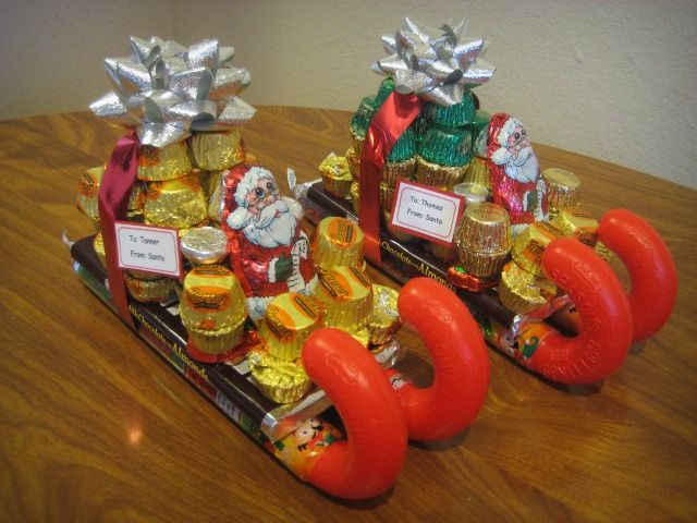 Candy Santa Sleighs! We saw these at a restaurant this ...