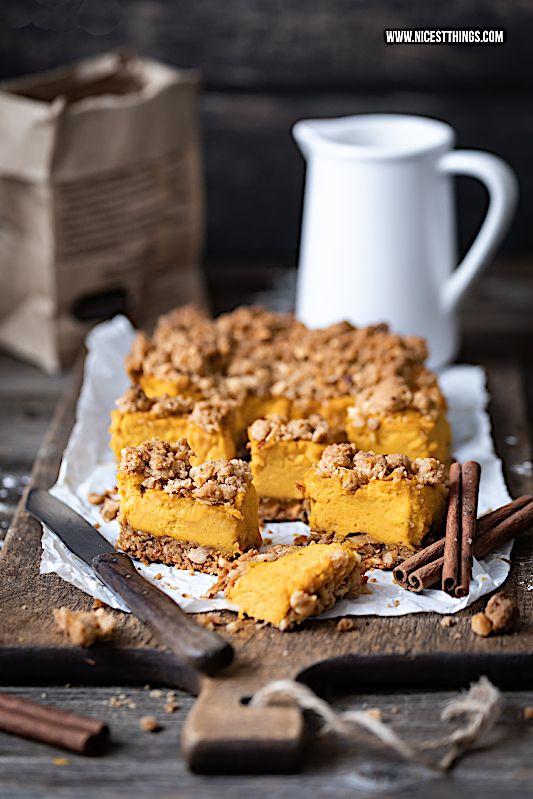 Kürbis Cheesecake Rezept mit Pumpkin Spice Streuseln #pumpkindesserts