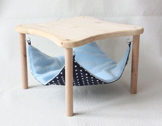 support de hamac avec un hamac bleu fonc pois blancs pour cochons d 39 inde on etsy vendu. Black Bedroom Furniture Sets. Home Design Ideas