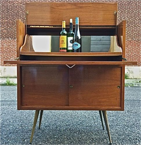 Painting Of Mid Century Modern Bar Cabinet Ideas Modern Bar Cabinet Mid Century Modern Bar Bar Cabinet