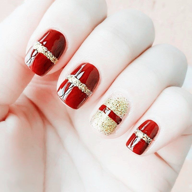 Elegant Red+Gold design Fake Nails Artificial Short Pre
