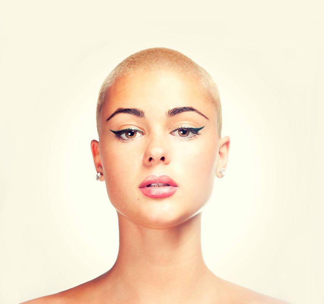 picturez-jenifer-nude-women-head-shave