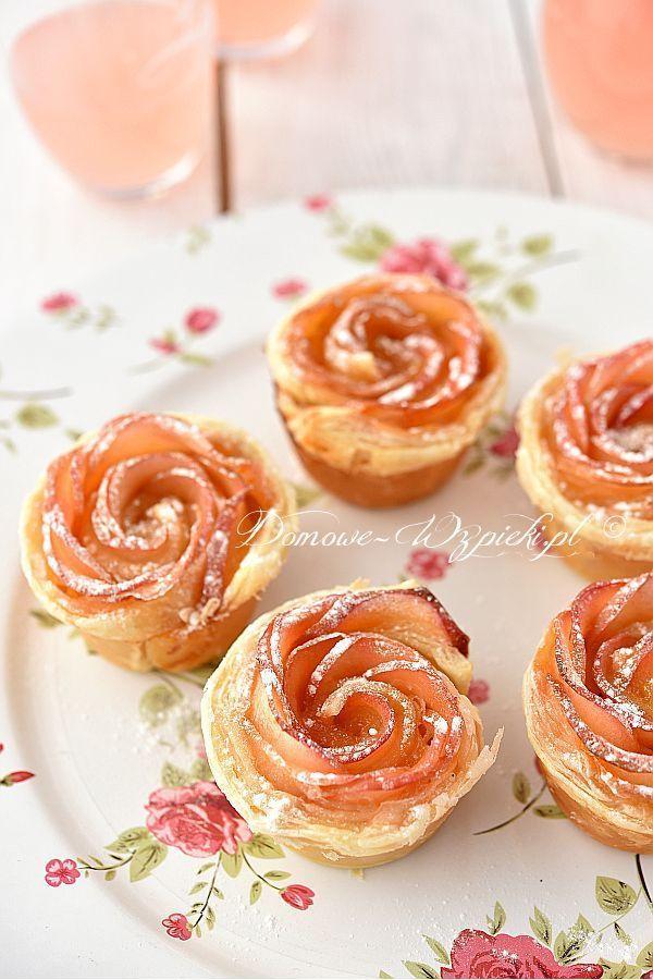 Jabłkowe róże #apfelrosenblätterteig Róże zrobione z plasterków jabłek, zawinięte w ciasto francuskie. Szybki i łatwy deser, a zarazem bardzo efektowny. #apfelrosenmuffins Jabłkowe róże #apfelrosenblätterteig Róże zrobione z plasterków jabłek, zawinięte w ciasto francuskie. Szybki i łatwy deser, a zarazem bardzo efektowny. #apfelrosenblätterteig Jabłkowe róże #apfelrosenblätterteig Róże zrobione z plasterków jabłek, zawinięte w ciasto francuskie. Szybki i łatwy des #apfelrosenblätterteig