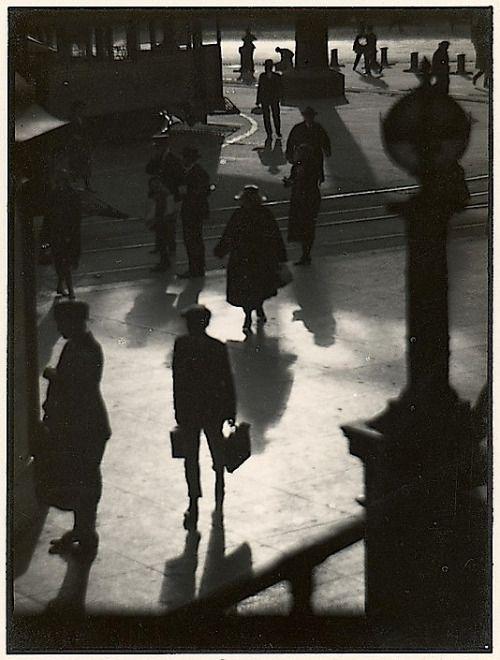 Johan Hagemeyer - Pedestrians, 1923.