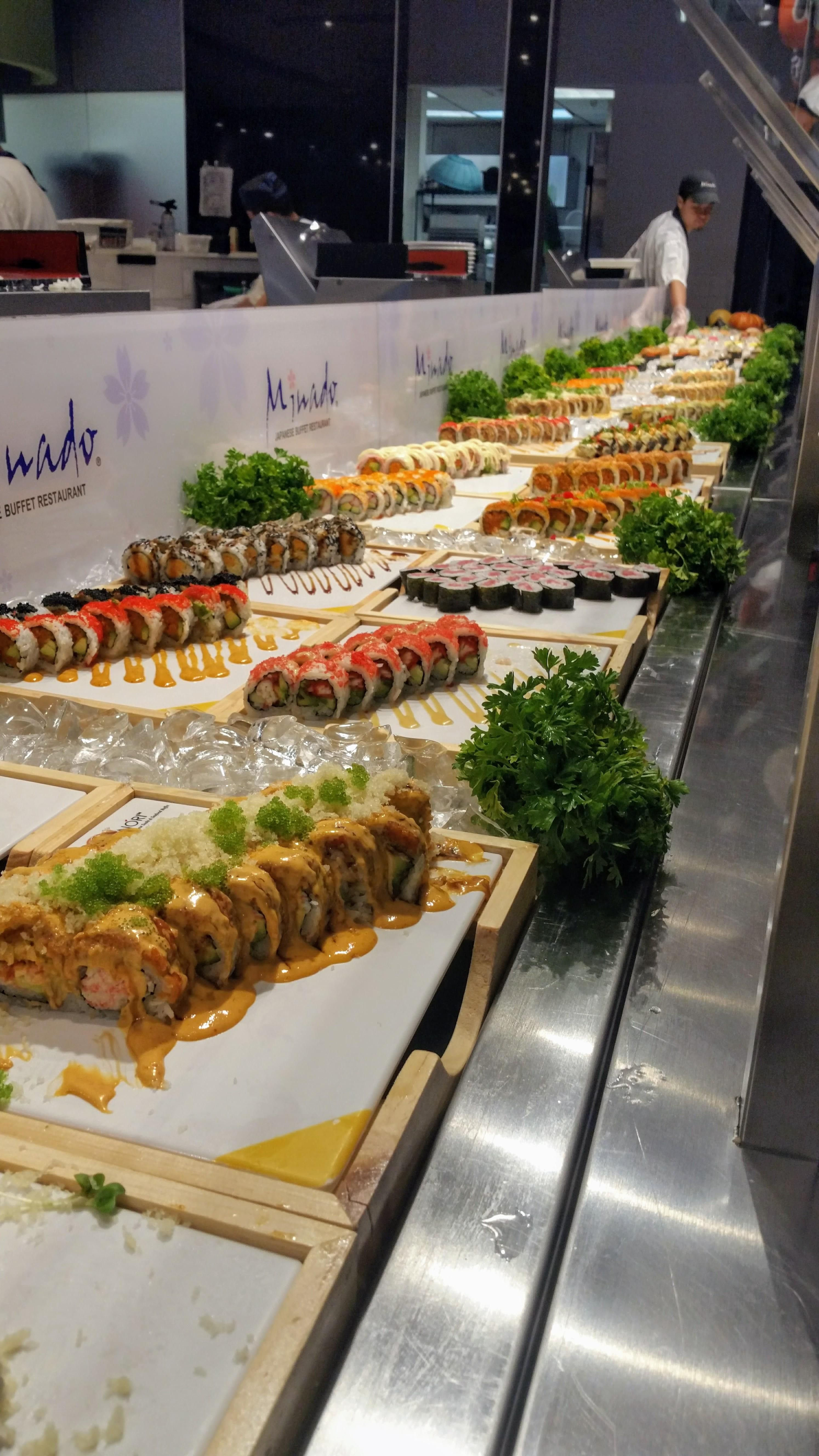 Tried A Buffet Style Ayce Recently Sushi Food Foodporn Japanese Japan Dinner Sashimi Yummy Foodie Lunch Yum Sushi Platter Sushi Buffet Buffet Food