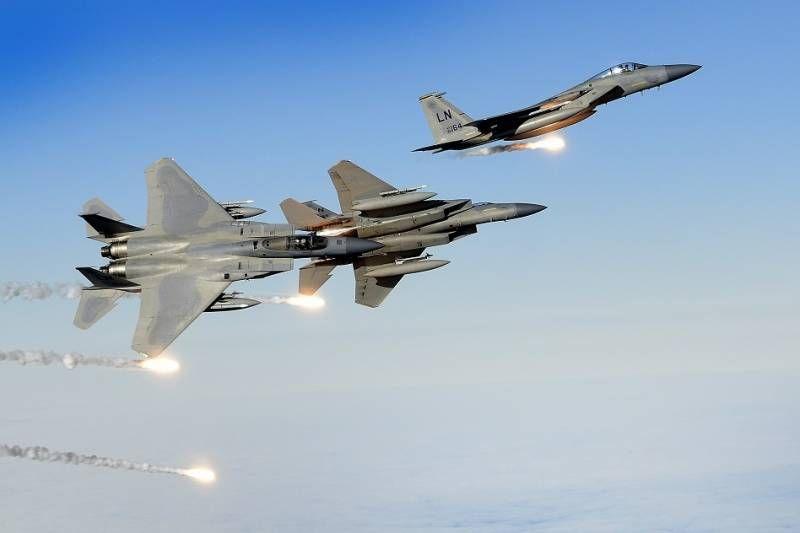 Espectaculares imágenes de los F-35 de Noruega con los B-2 y los F-15 de la USAF - Noticias Defensa defensa.com OTAN y Europa en 2020 | Noruega, Europa, Fuerza aerea