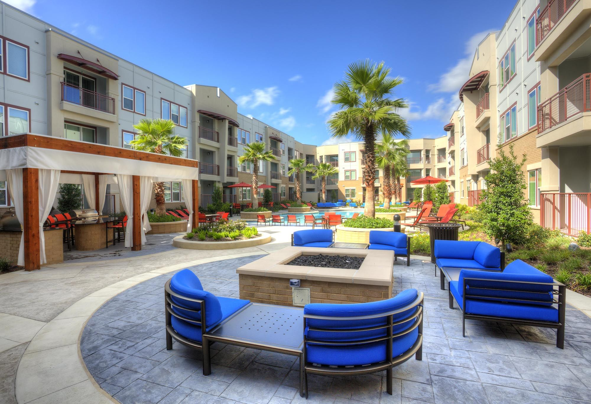Alta Woodlake Square The New Luxury Apartment In Houston Texas Luxury Apartments Houston Neighborhoods Alta