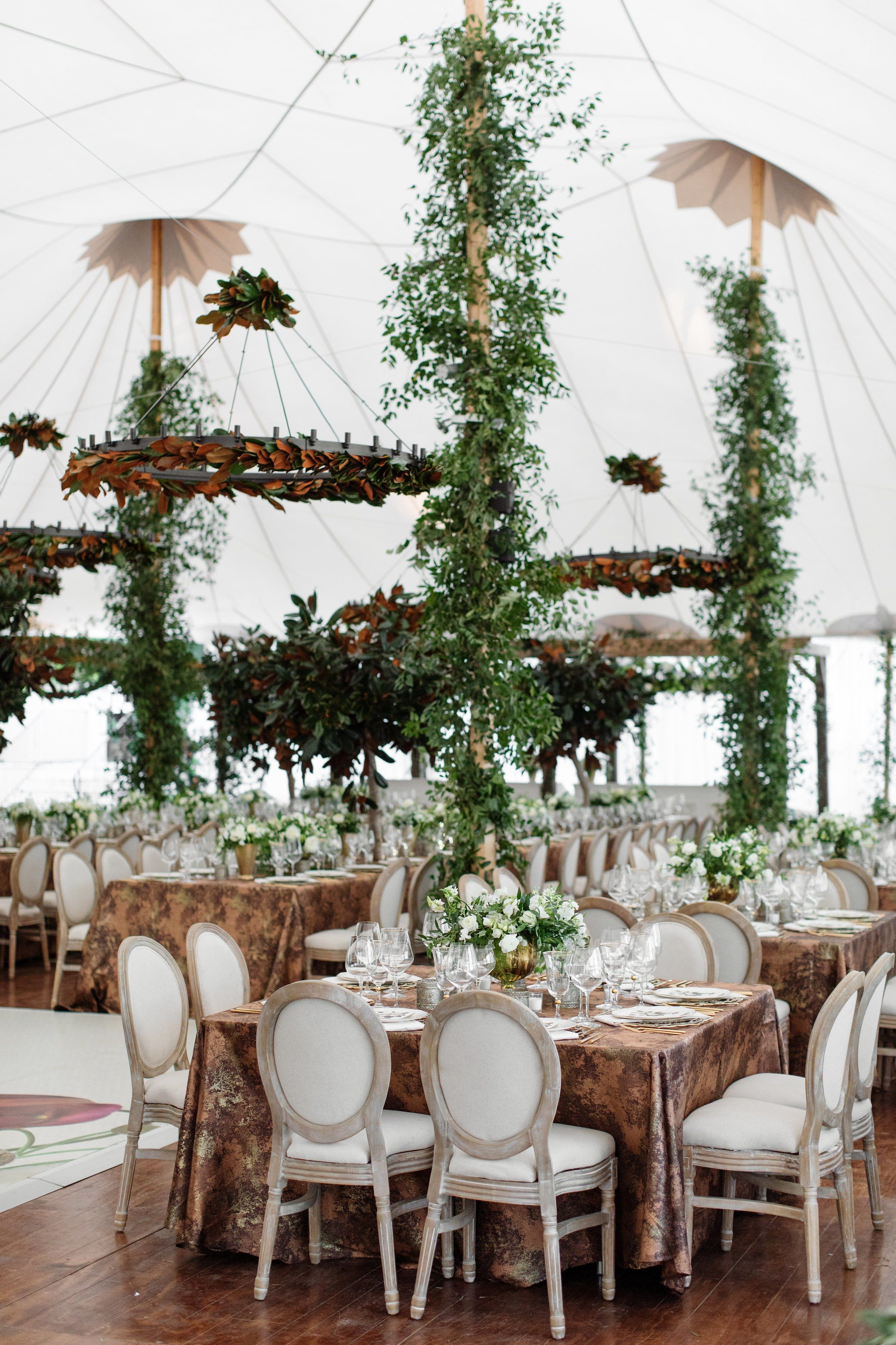 25 Breathtaking Tents for Your Outdoor Wedding Brides