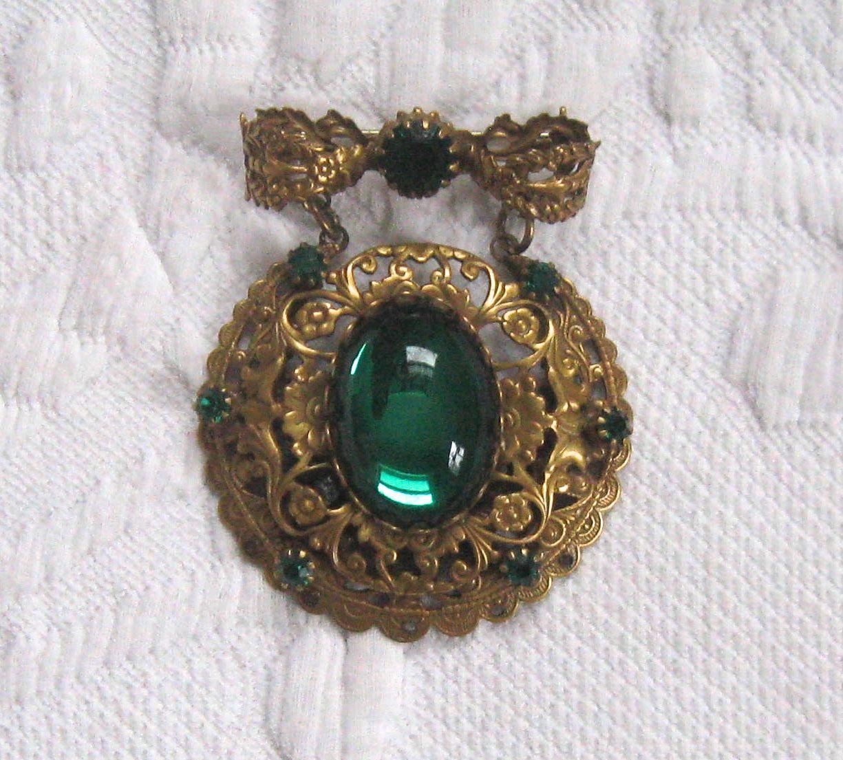 Filigree Bow Brooch . large pendant brooch .  emerald Czech Glass Brooch . Dangling emerald Brooch . victorian style brooch by vintagous on Etsy