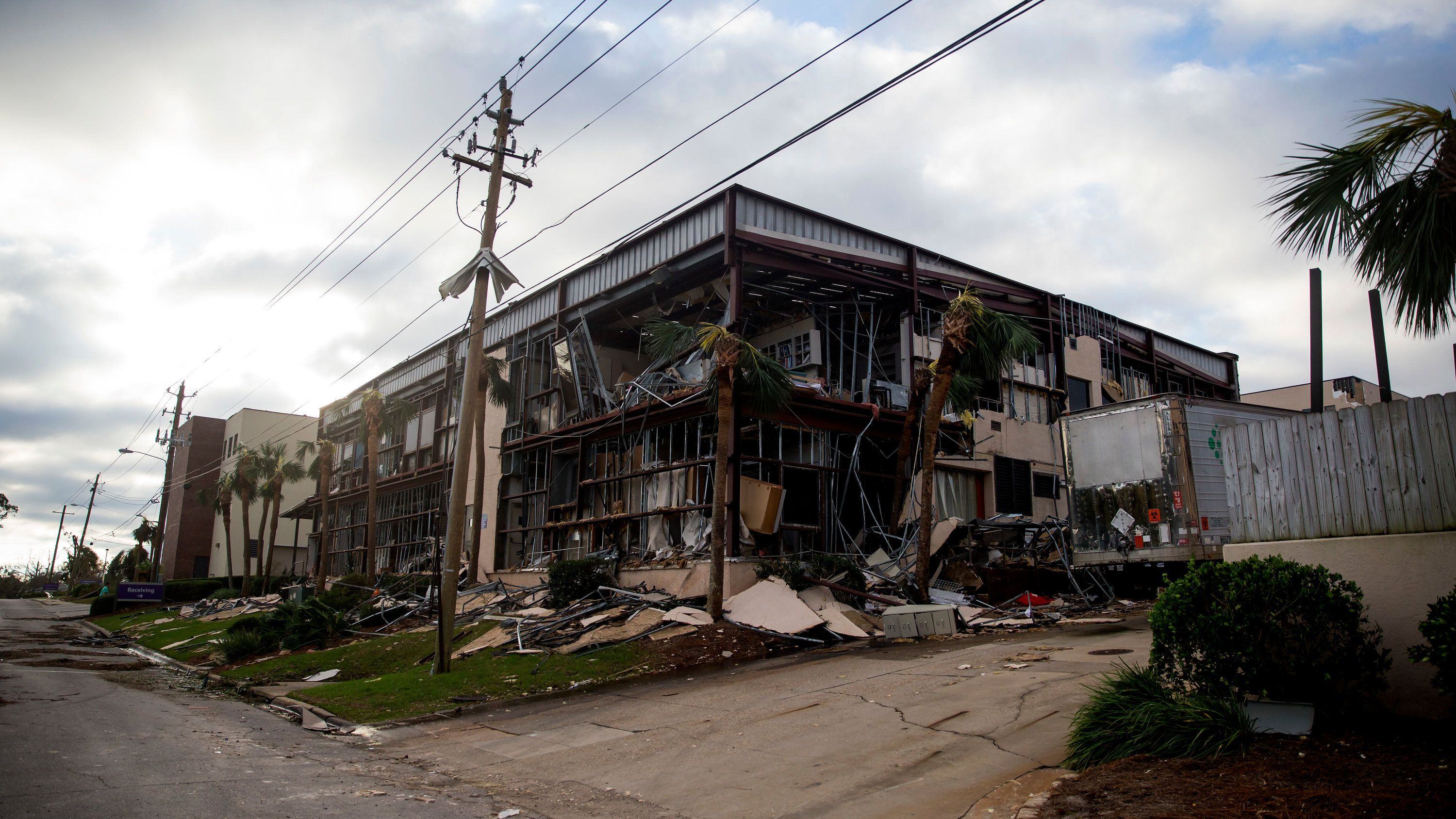 Hurricane Michael Live Updates Desperate Scenes At Storm Damaged Hospital Panama City Panama Michael Hurricane