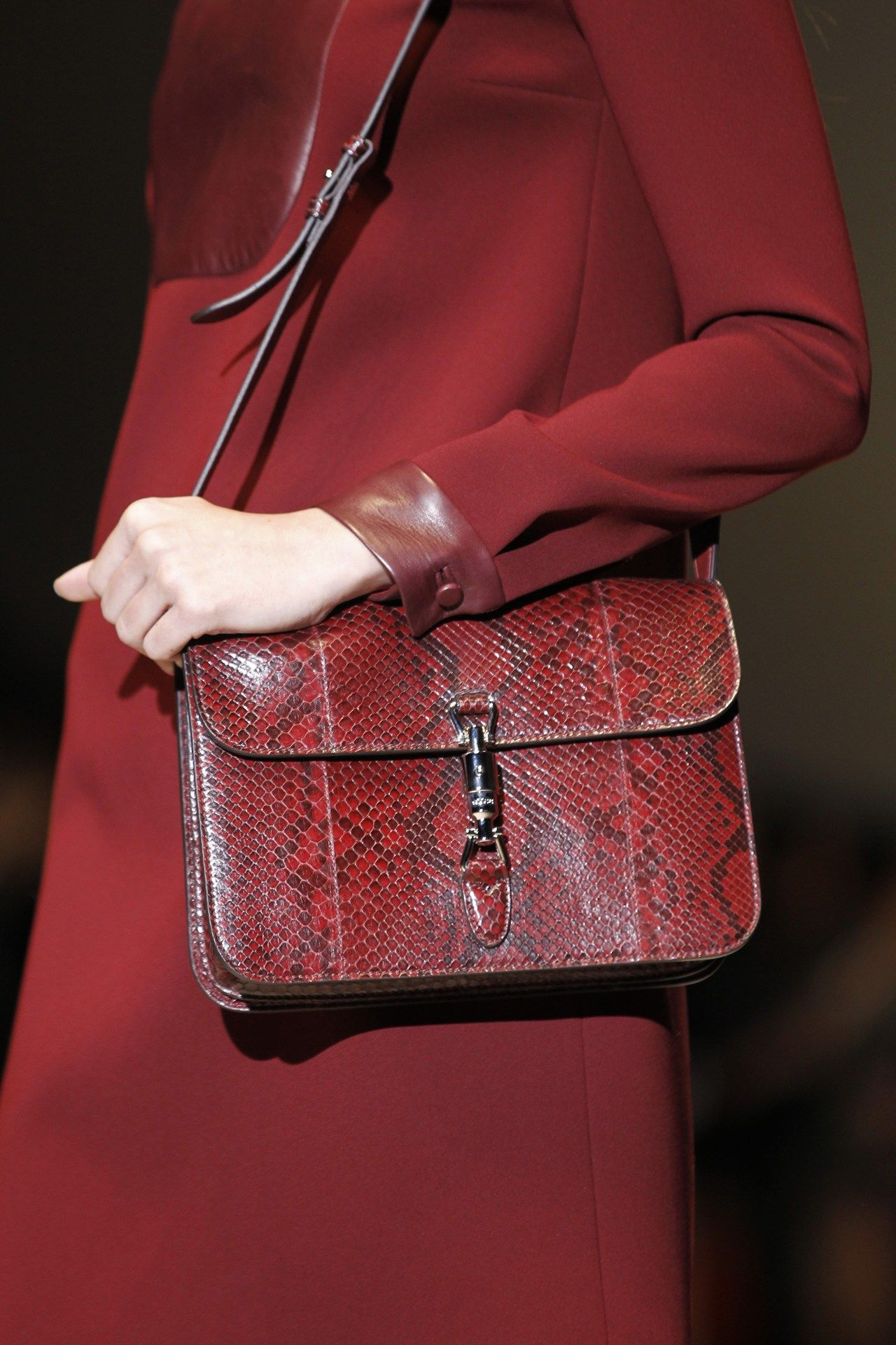 7bccceb8f8 Gucci Autumn/Winter 2014 Ready-To-Wear | bags | Moda, Acessórios, Bolsas