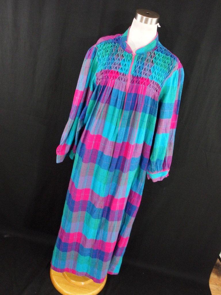 Vintage 80s Flannel Nightgown Housecoat MuuMuu Plaid 2X Green Pink Plaic  Womens Long Pajamas Nightshirt J4 by AmazingTasteVintage on Etsy  80s   ... d2fb0cec4