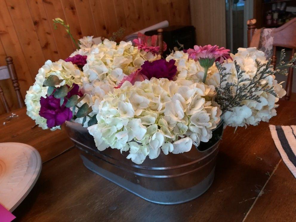 Costco Flowers Wedding Arrangement Hydrangeas Bulk Mini Euro Bouquets In Purple Steel Container Do Costco Flowers Costco Wedding Flowers Flower Arrangements