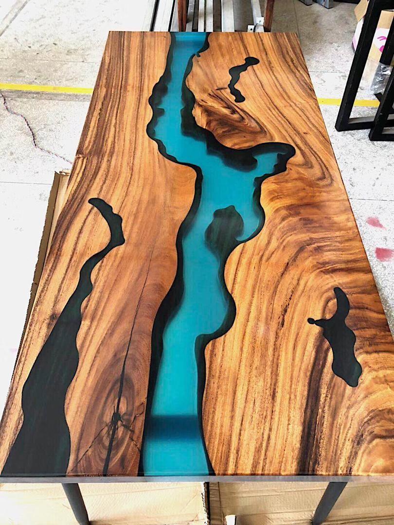 Table en noyer avec rivi re en r sine epoxy avec images Resine meuble