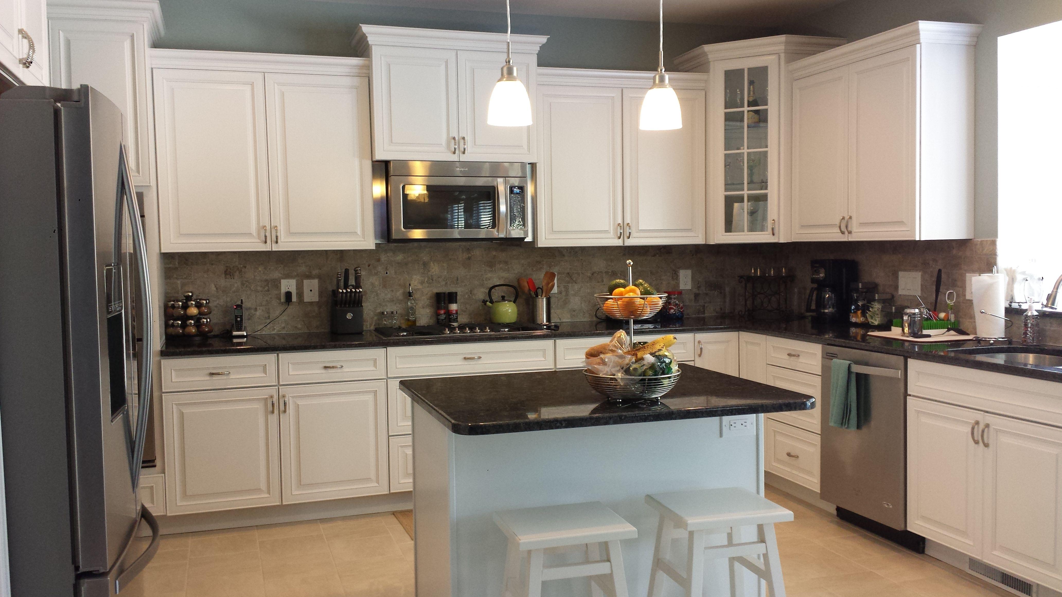 Streater Kitchen Designed By Thomas Matteo #kitchen #kraftmaid #cabinets  #microwave #granite