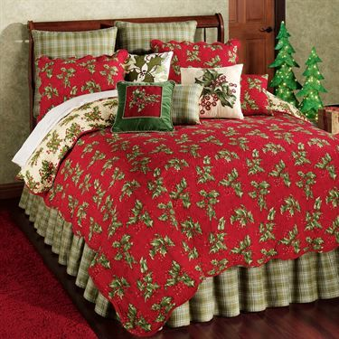 Holly Red Holiday Quilt Bedding