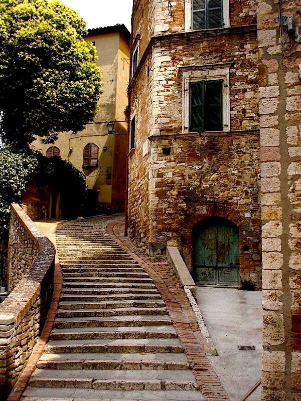 Scalinata a Perugia Luoghi meravigliosi, Paesaggi e Luoghi
