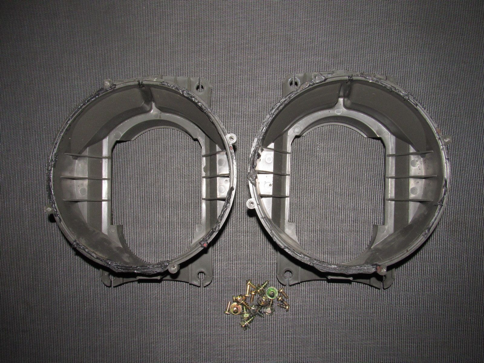 94 95 96 97 98 99 toyota celica oem front door speaker housing bracket [ 1600 x 1200 Pixel ]