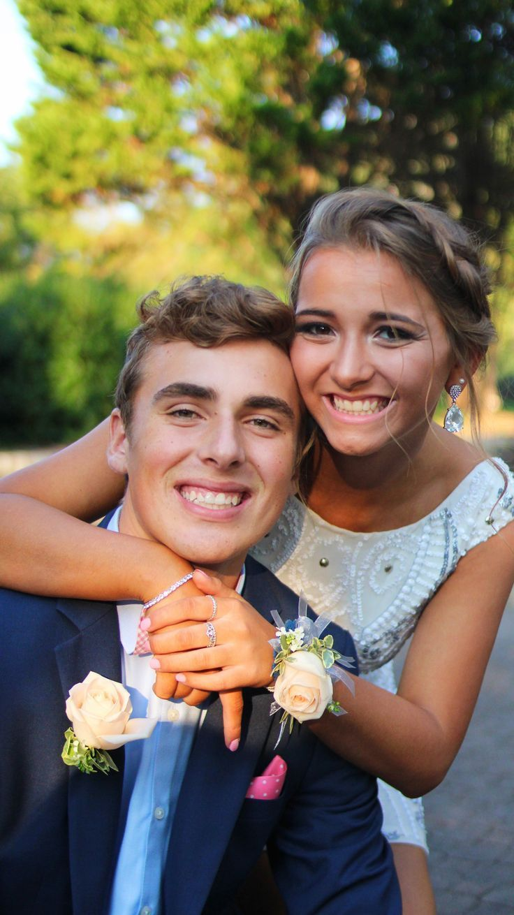 #dan #homecoming #homecomingpictures #pictureideas #Pictures   – Prom Pictures –