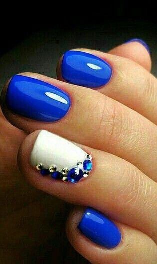 Besonders Gut Gefällt Mir Die Kombination Mit Strasssteinen Besonders gut gefällt mir die Kombination mit Strasssteinen Nail Ideas nail ideas royal blue