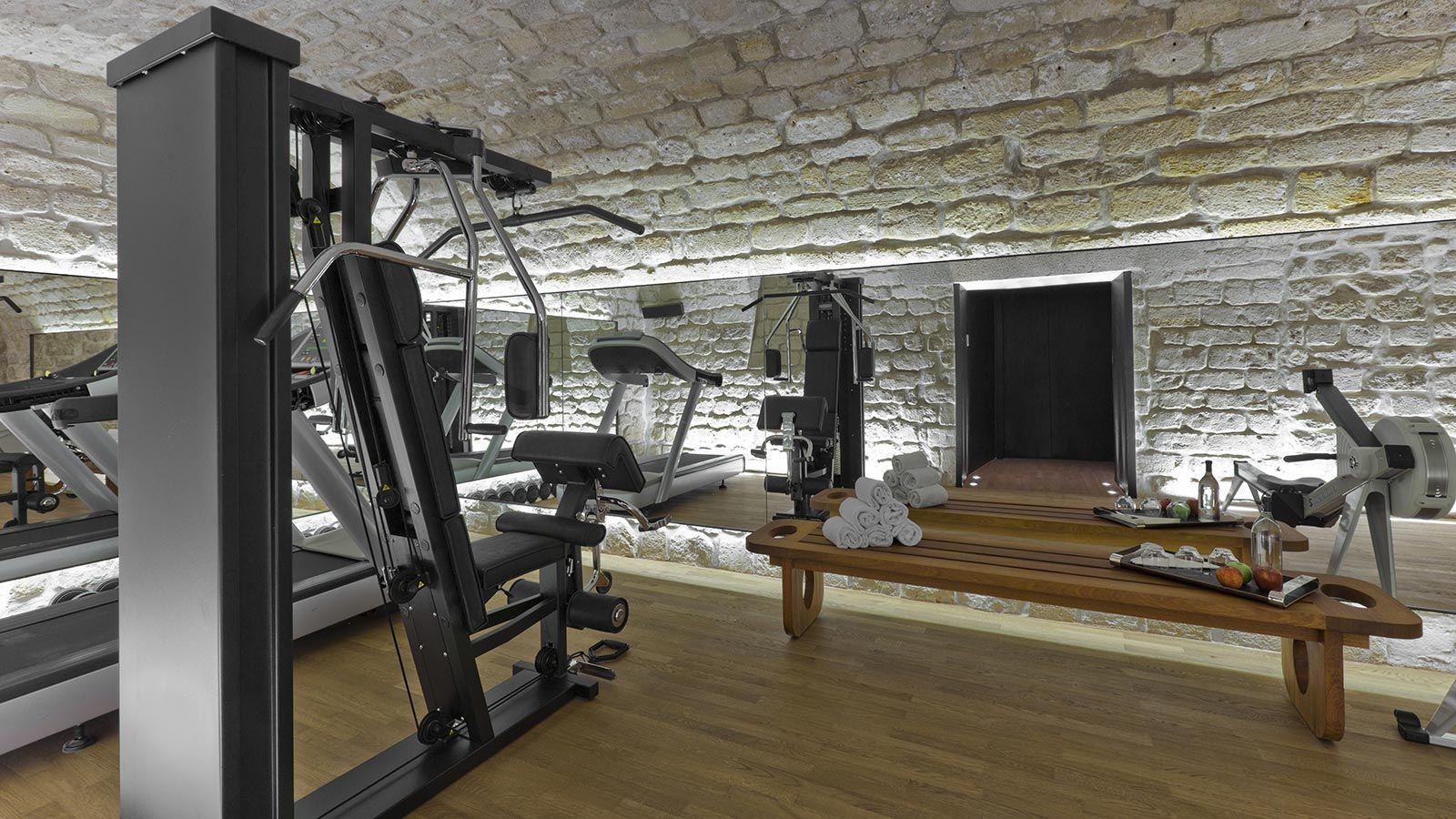 Salle De Sport Design : superb fitness decor home gym design trends equipment pinterest gym equipment ~ Nature-et-papiers.com Idées de Décoration