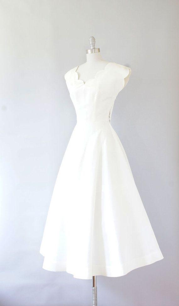 Simple wedding dress \\\\ 1940s dress / vintage 40s wedding dress ...