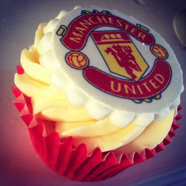 Manchester United Cupcake Soccer Birthday Cakes Manchester United Birthday Cake Manchester United Cake