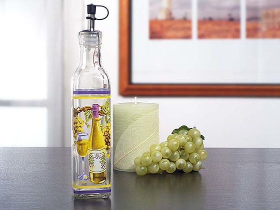 Europa Glass Medium Oil Bottle With White Grapes Wine